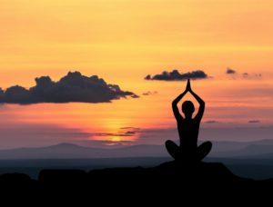 joga o wschodzie słońca